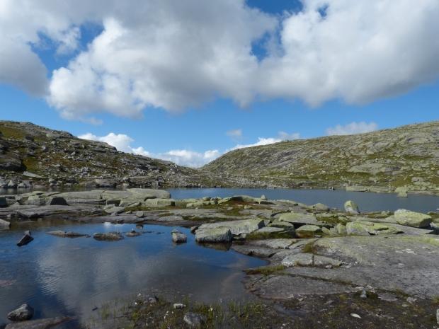 Lake at Trulltunga hike